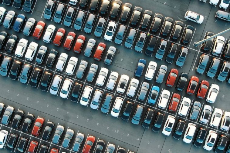 3 Ways To Maintain Your Business's Parking Lot