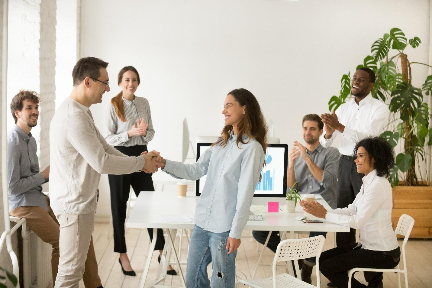 How to Make a New Employee Feel More Welcome