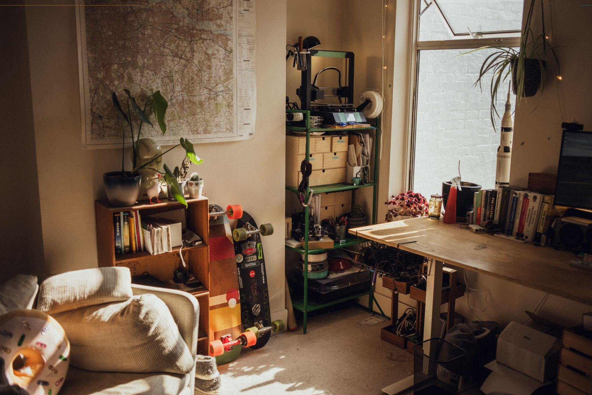 9 Steps to Cleaning Up a Cluttered Living Space